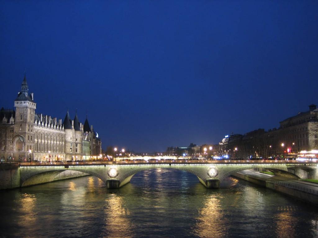 Paris, raul Sena.